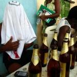 Des Camerounais qui se saoulent la gueule dans un bar. Crédit: Ecclésiaste DEUDJUI