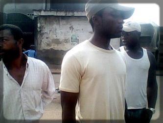un gang de frappeurs de la ville de Douala