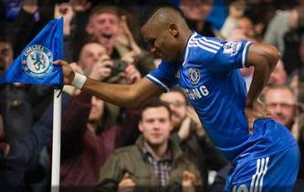 Samuel Eto'o, se moquant de Mourinho qui l'avait traité de vieillard
