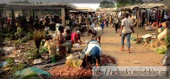 les marchés camerounais sont des capharnaüms - crédit: Ecclésiaste Deudjui