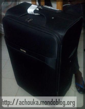 L'énormissime valise de Guy Muyembe