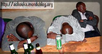 C'est encore mieux de dormir quand on a trop bu. Crédit: Ecclésiaste Deudjui
