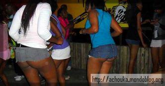 Il y a des bars qui sont consacrés aux prostituées