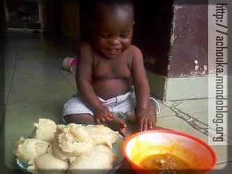 Il y a des bébés qui aiment trop la nourriture