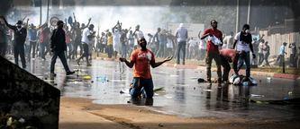 Il y a eu de violentes manifestations après la proclamation des résultats par la CENAP - (c) L'express.fr