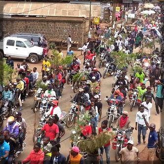 les populations de Bamenda dans la rue