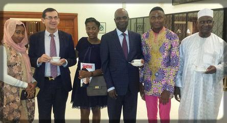 deux ministres camerounais chez l'ambassadeur de France au Cameroun