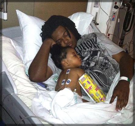 un père et sa fille à l'hôpital