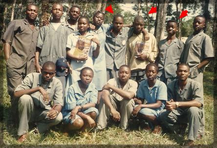 photo de famille au lycée de Ndikiniméki
