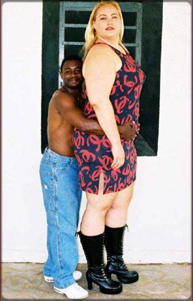homme noir avec femme blanche de grande taille