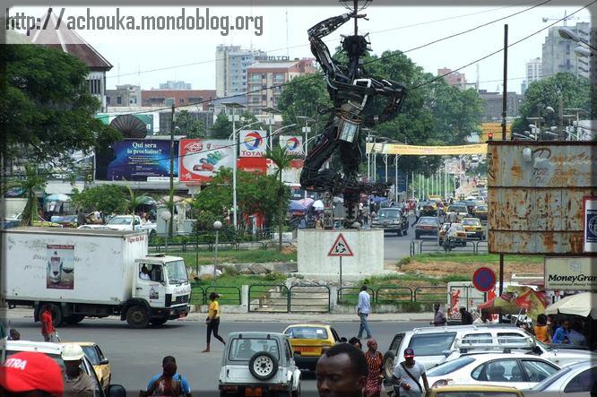 le monument de la Liberté à Douala