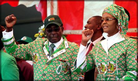 robert mugabe et grace mugabe lors d'un meeting de la zanu pf