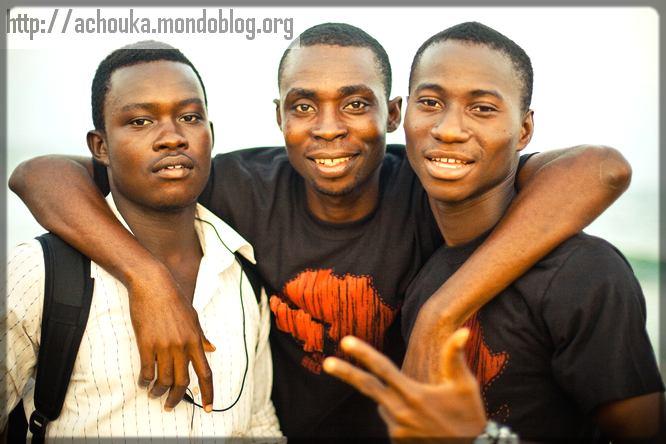 trois jeunes africains
