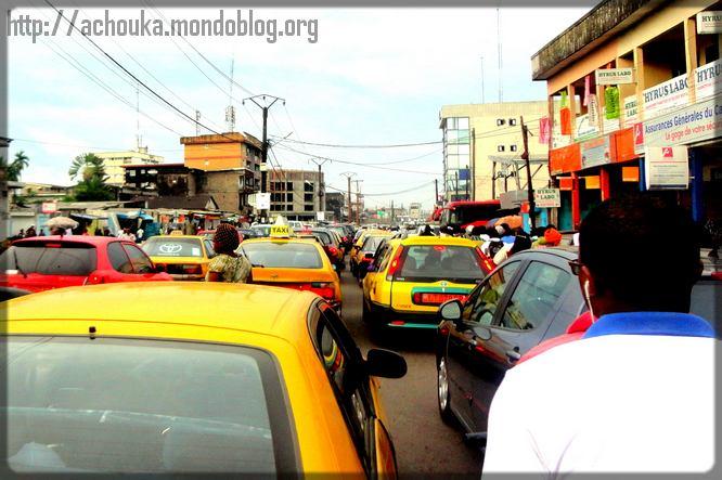 embouteillage à Douala