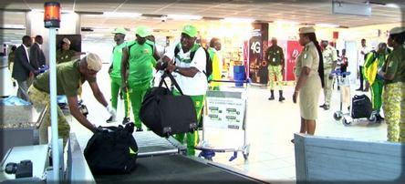 contrôle de bagages dans les aéroports