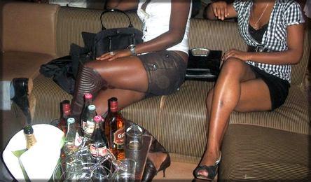 filles africaines en boîte de nuit