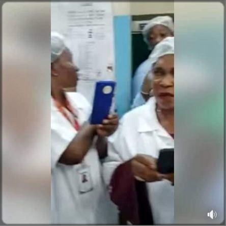 infirmières qui font des selfies