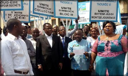 Maurice Kamto en visite à Yaoundé