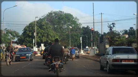 circulation de motos au Cameroun