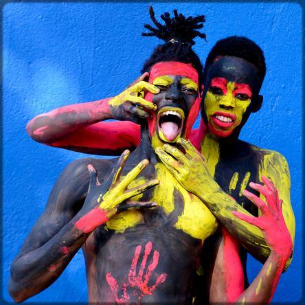 deux artistes africains de body-painting
