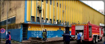 La Campost de Douala a également pris feu