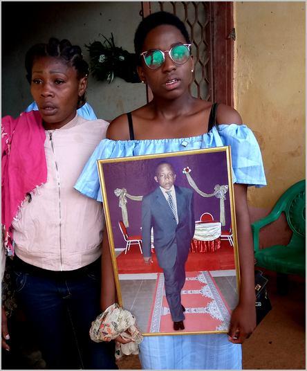 Joyce Camdoum avec la photo de James Curtis