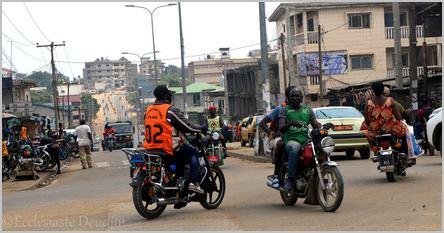 bendskineurs à Douala